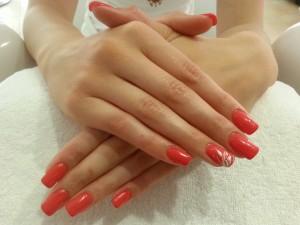 Ongles Magnolia institut pose d'ongles en gel faux ongles. Situé à Neuville sur Saône près de Lyon