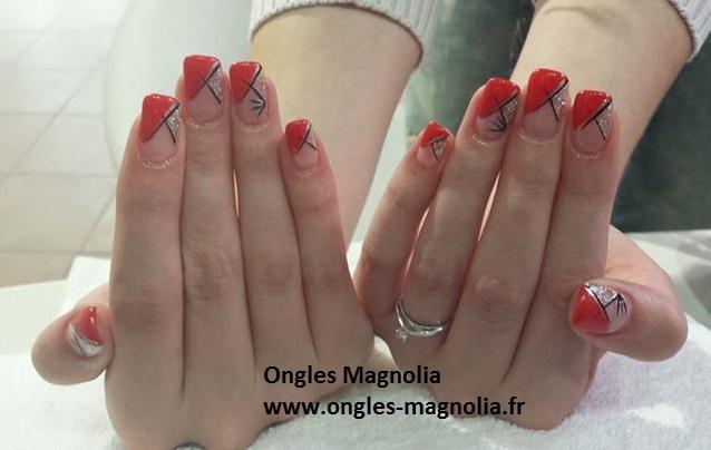 Ongles Magnolia Frech Bicolore Rouge Et Paillettes Argentes Sur
