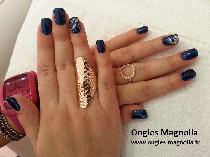 ongles magnolia semi permanent bleu nuit d coration avec. Black Bedroom Furniture Sets. Home Design Ideas