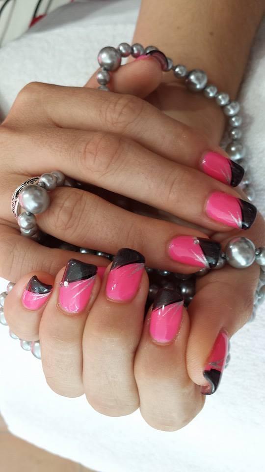 Pose ongles neuville sur saone lyon ongles magnolia french noire sur semi permanent rose fluo nail art argenté strass