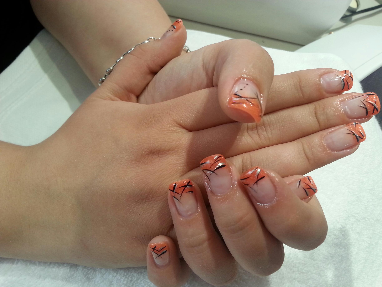 Ongles Magnolia institut pose d'ongles en gel, faux ongles. Situé à Neuville sur Saône près de Lyon